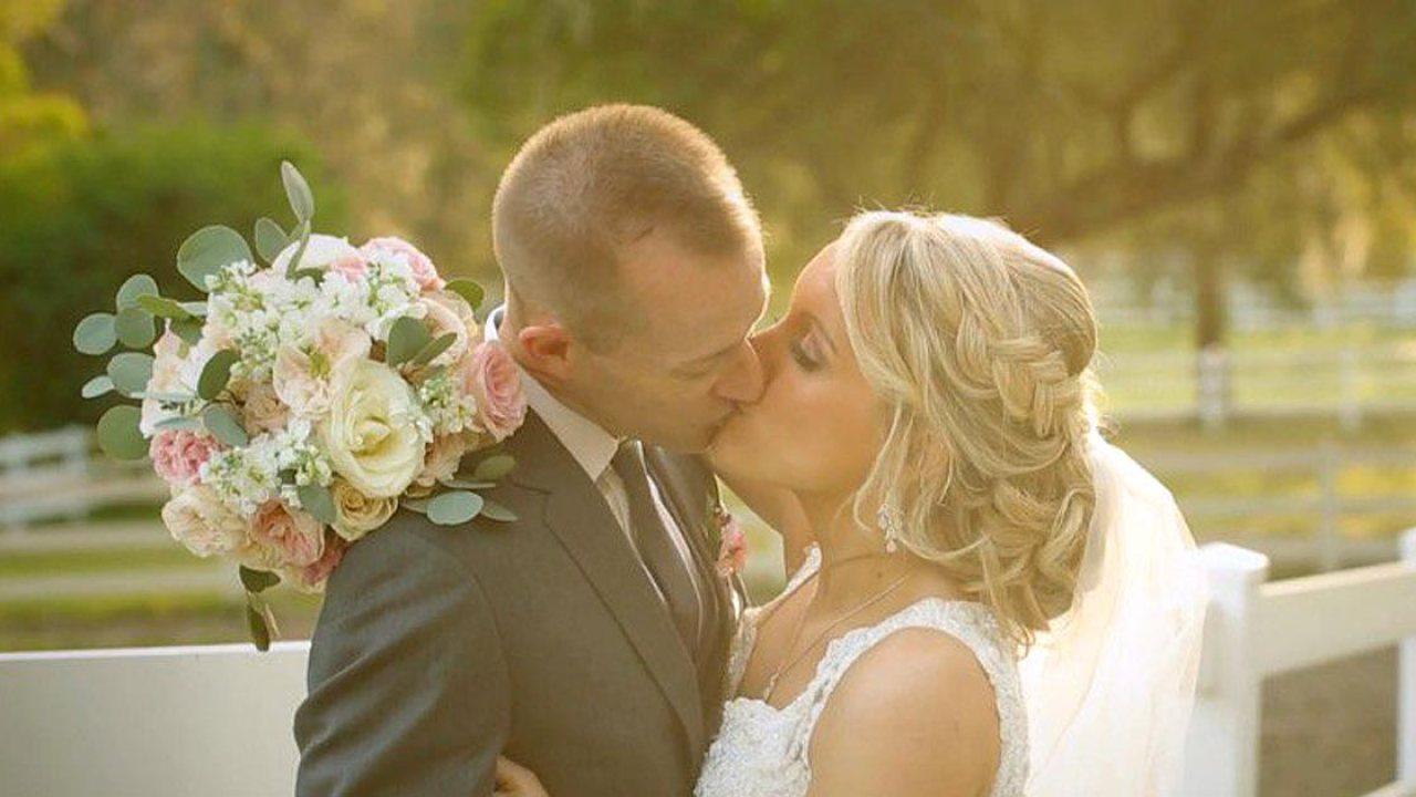 Liebe unter Sperrung: Die Paare, die zusammen geschoben und auseinander gehalten durch coronavirus