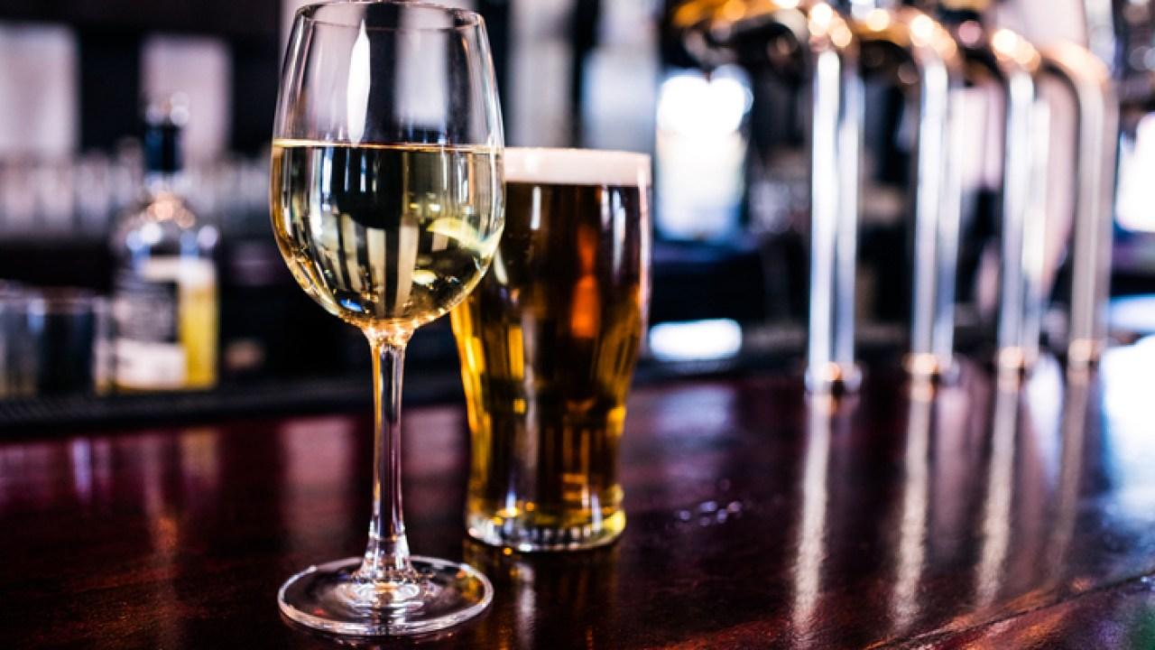 Jefferson County ανάσχεση dine-in service σε μπαρ και εστιατόρια για την καταπολέμηση COVID-19