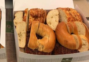 Should You Slice Bagels Like Bread Hack Has Internet Debating St Louis Food Fox 2