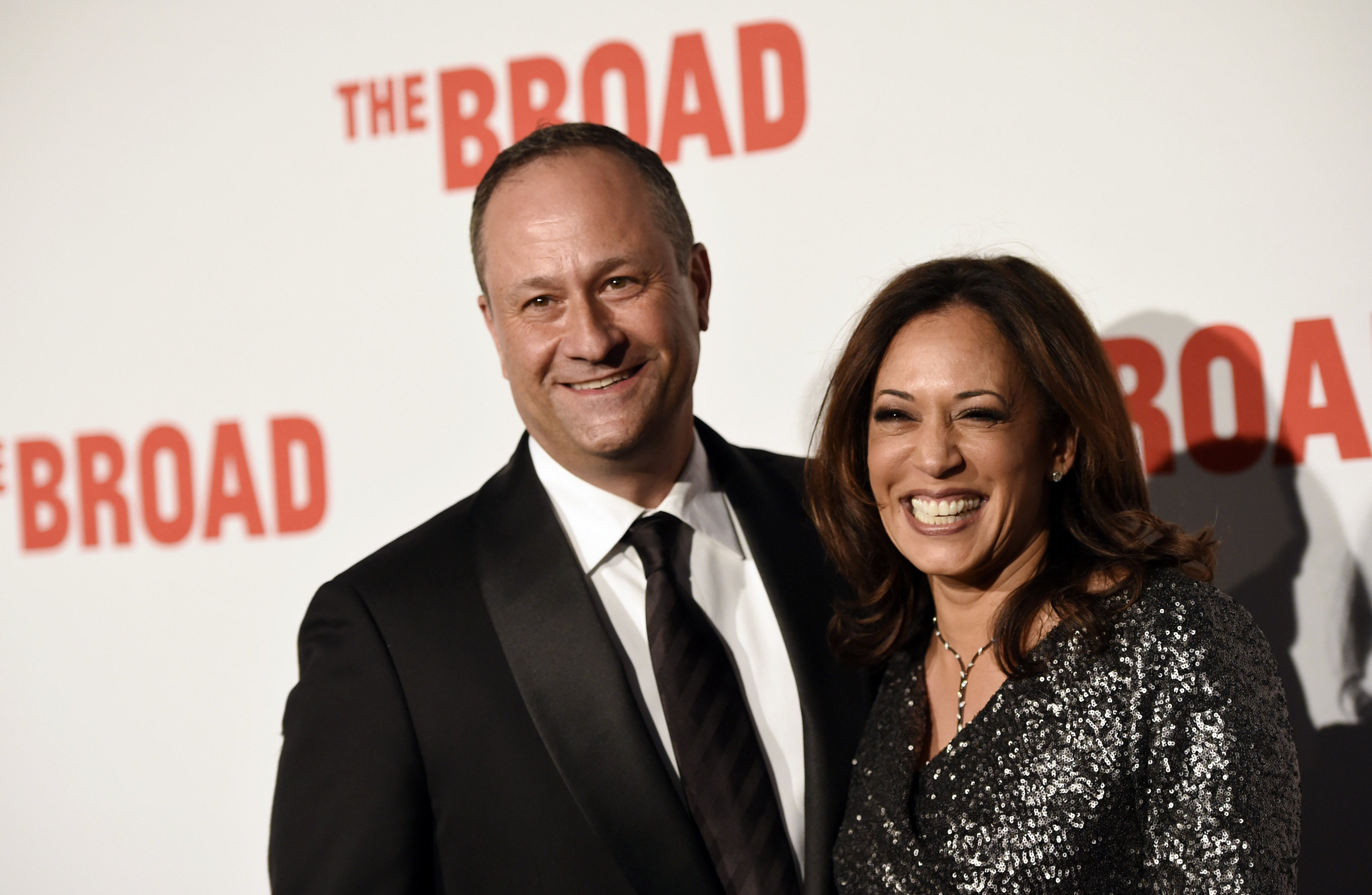 What To Know About Douglas Emhoff Kamala Harris Husband After That Onstage Protester Moment Fox 2