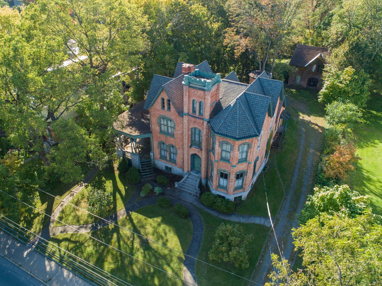 10 Bedroom Mansion In New York Offered For Only 50 000 With One Catch Fox 2