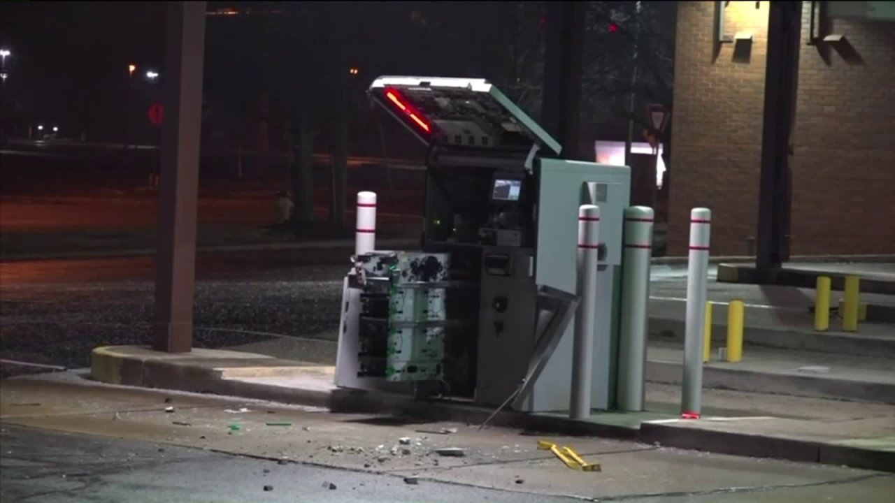 Ellisville Atm Robbery Suspects Could Be Part Of Larger Criminal Operation Fox 2