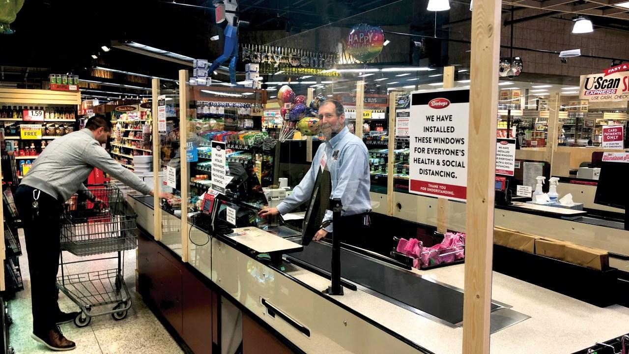 Dierbergs mengumumkan toko baru kebijakan untuk menjaga jarak sosial aturan
