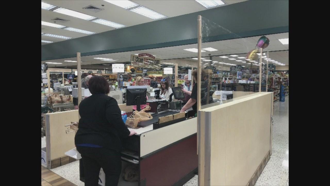 Lokaler Supermarkt-Ketten der Umsetzung Möglichkeiten, um Kunden zu dienen, während die Bindung der Mitarbeiter sicher