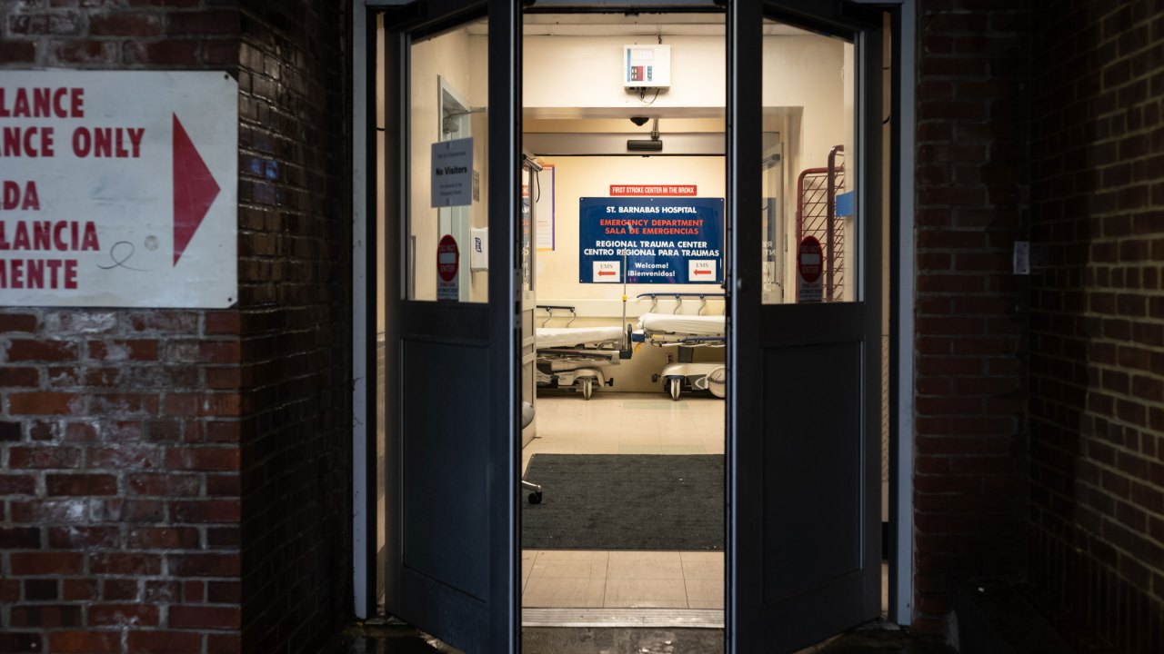 Krankenhäuser prüfen, Veränderungen zu tun-nicht-wiederbeleben Situationen inmitten der Corona-Virus-Pandemie