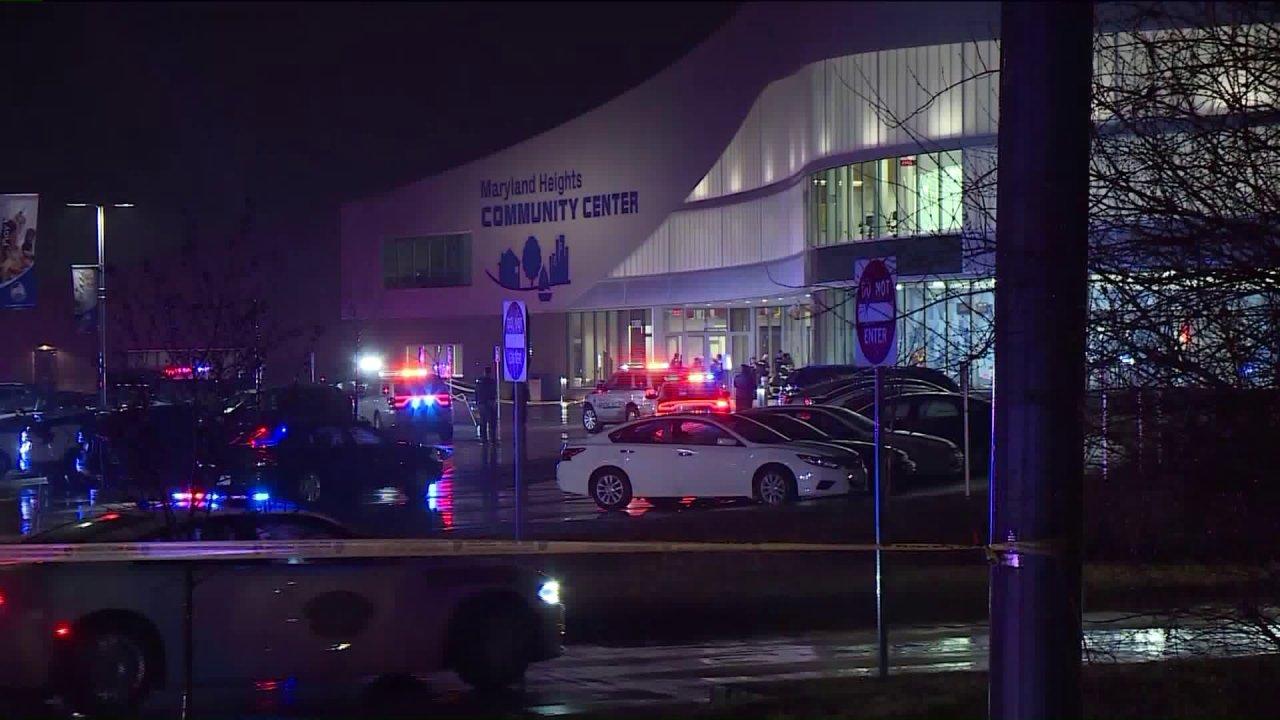 Beratung angeboten, um die betroffenen von Maryland Heights Community Center shooting