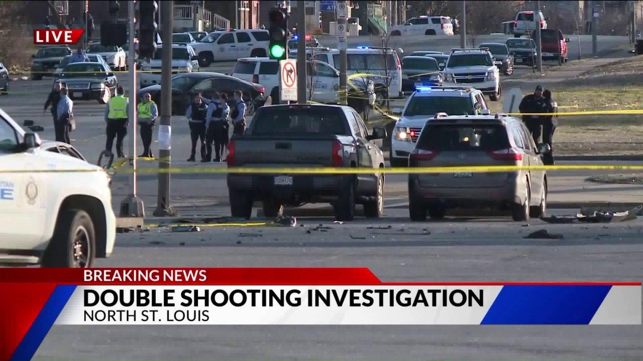 Eine Frau tot, teen girl, die verwundeten während des Rollens Pistole in Messegelände Nachbarschaft