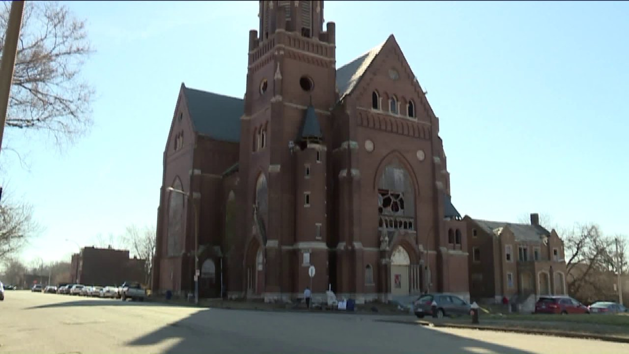 Μη κερδοσκοπικά σχέδια για να ενεργοποιήσετε εγκαταλειμμένη εκκλησία στο κέντρο της κοινότητας