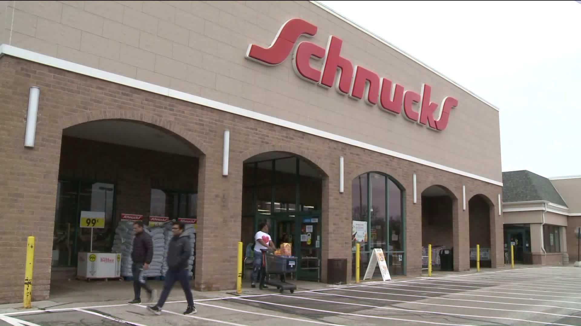 Schnucks Christmas Commercial 2020 Actors Schnucks reserving shopping hours for seniors | FOX 2