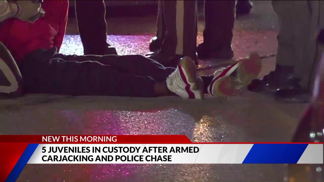 Fünf Jugendliche in obsorge nach carjacking Funken police chase aus dem spanischen See zu Illinois