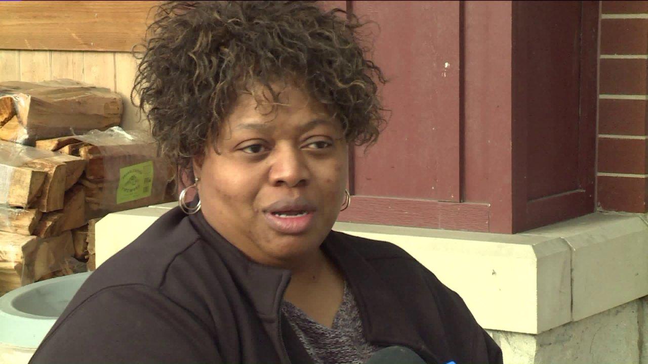 Illinois κατοίκους για την προσαρμογή στη ζωή μετά από παραμονή στο σπίτι ώστε θα τεθεί σε ισχύ