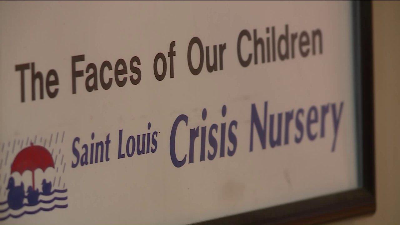 Κρίση Παιδικό σταθμό εργασίας για να διασφαλίσει ότι τα παιδιά έχουν ασφαλές καταφύγιο κατά τη διάρκεια της COVID-19 ξέσπασμα