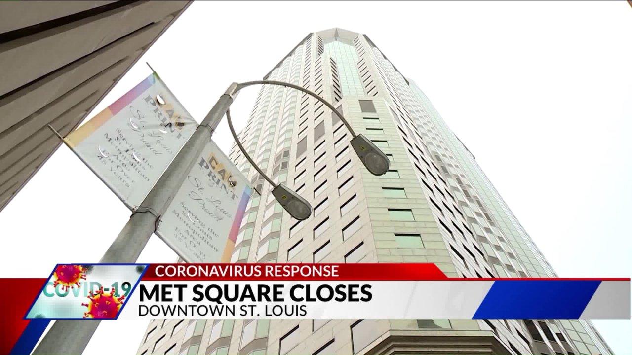 Metropolitan Square-Gebäude auf lockdown, wenn die Mitarbeiter positive test für COVID-19