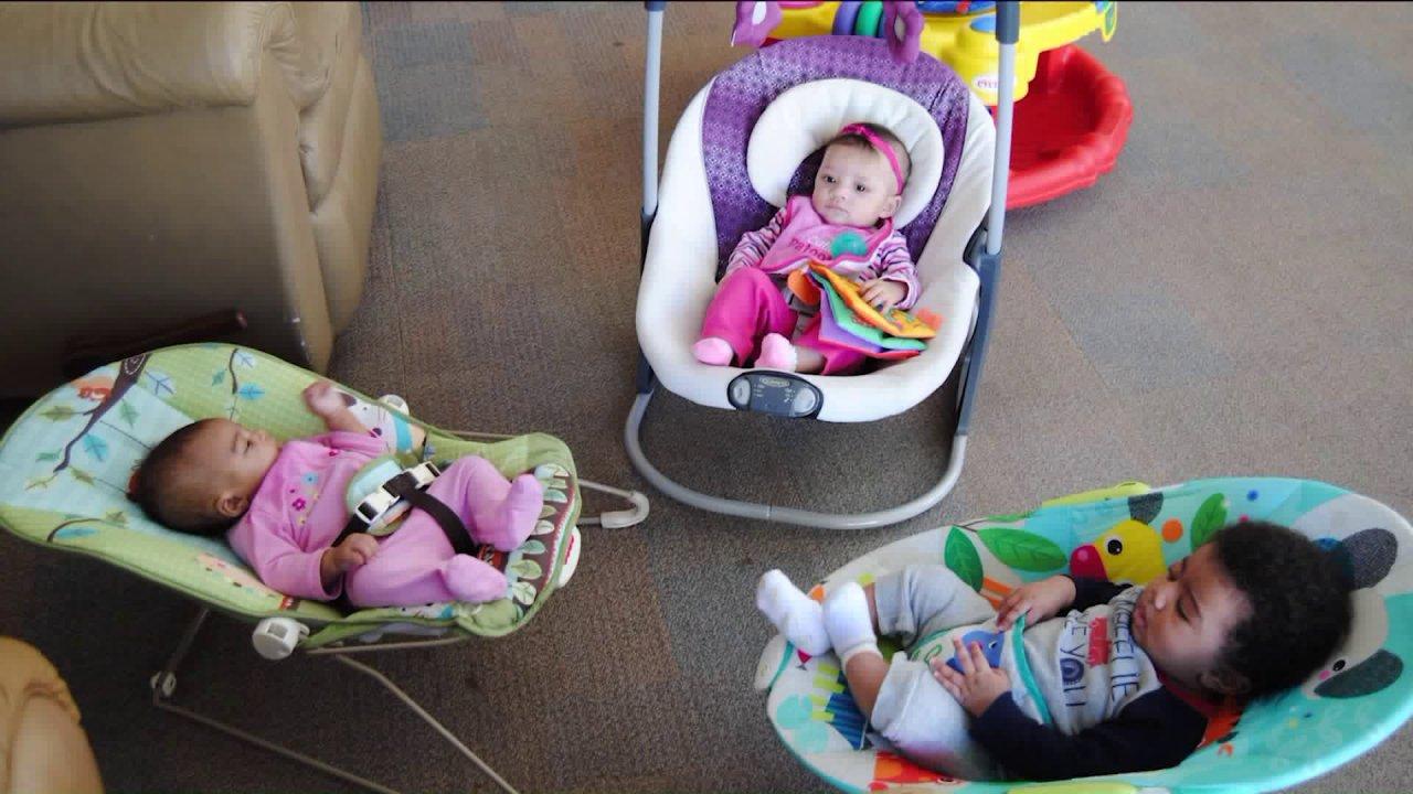 Tempat penampungan untuk tunawisma wanita hamil untuk menahan mendatang penggalangan dana di Facebook Live