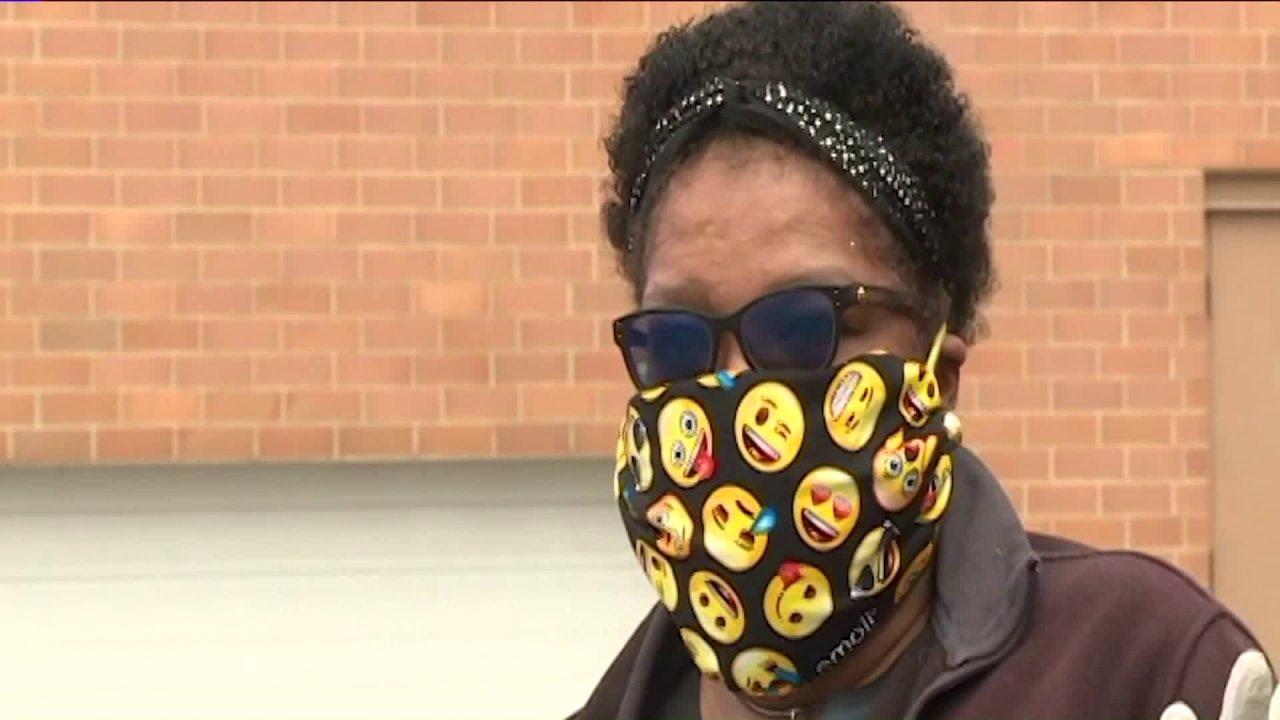 Έλλειψη ιατρική μάσκα για πρώτη αντίδραση σπιρούνια σπιτικά ύφασμα μάσκα για τις δημόσιες
