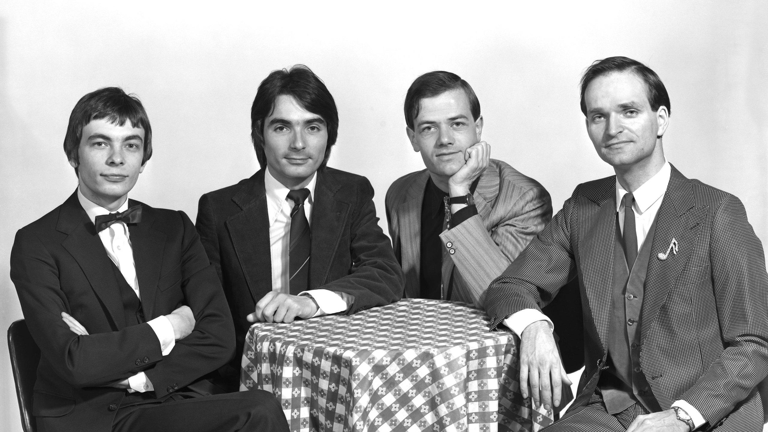 Florian Schneider, co-founder of Kraftwerk, dies at 73 | FOX 2